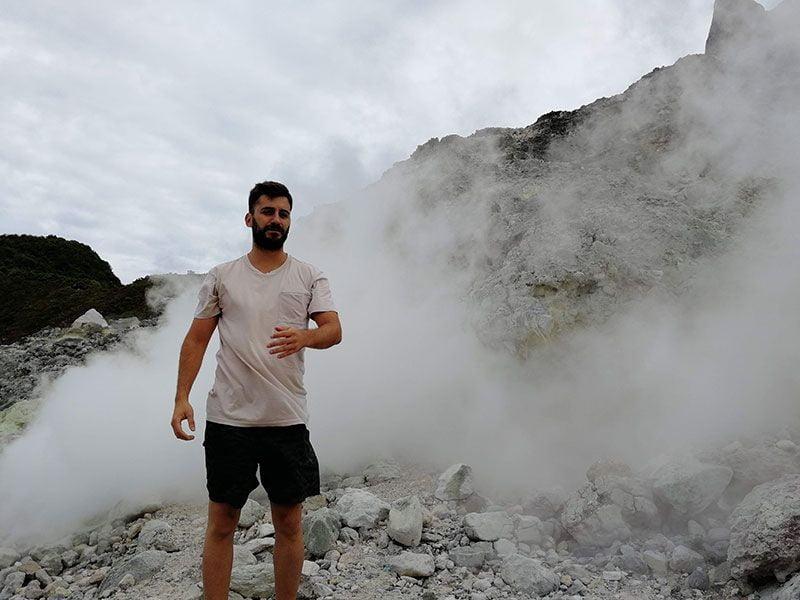 volcan berastagi sulfuro
