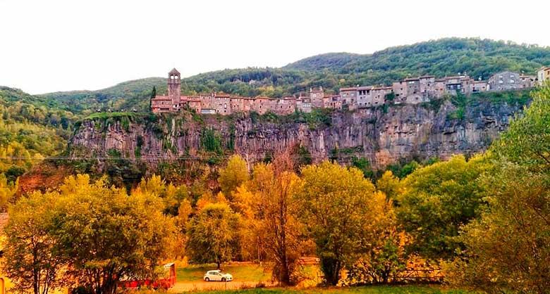 castellfollit de la roca provincia de girona