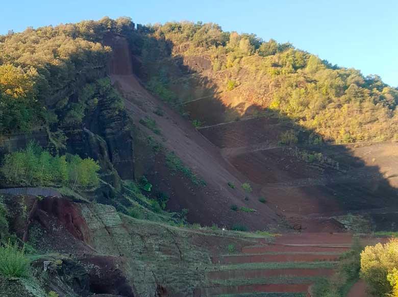 volcan cruscat provincia de girona