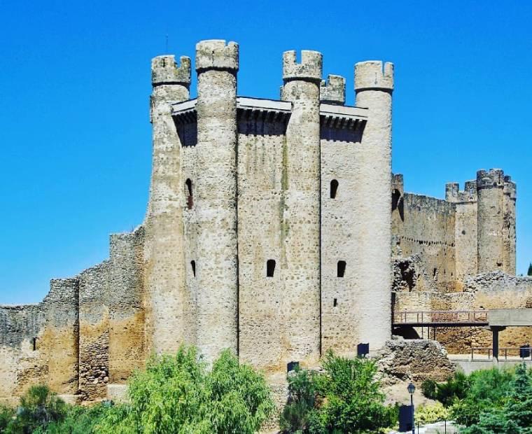 castillo valencia de don juan coyanza