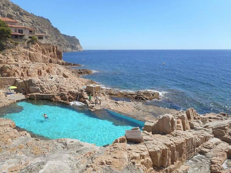 piscina es cau piscina natural