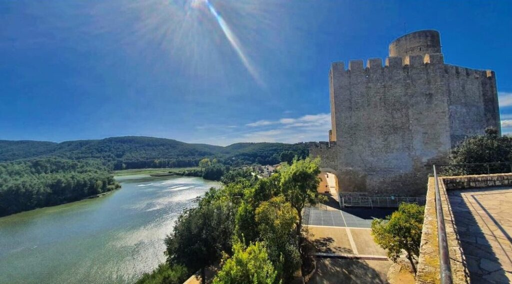 Pantano de foix vistas castillo