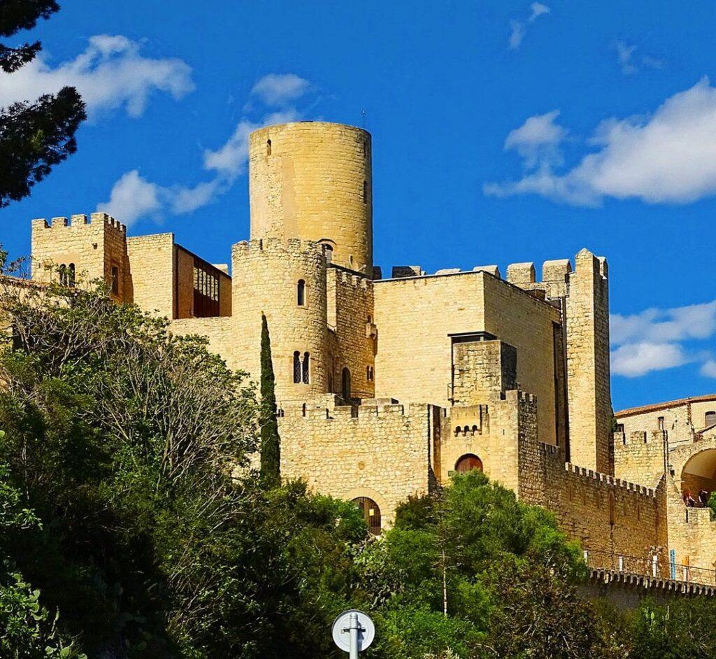 castillo del pantano de foix