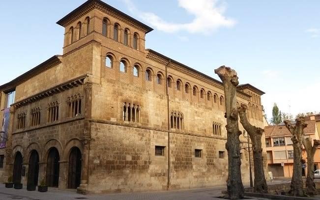 palacio de los reyes navarra