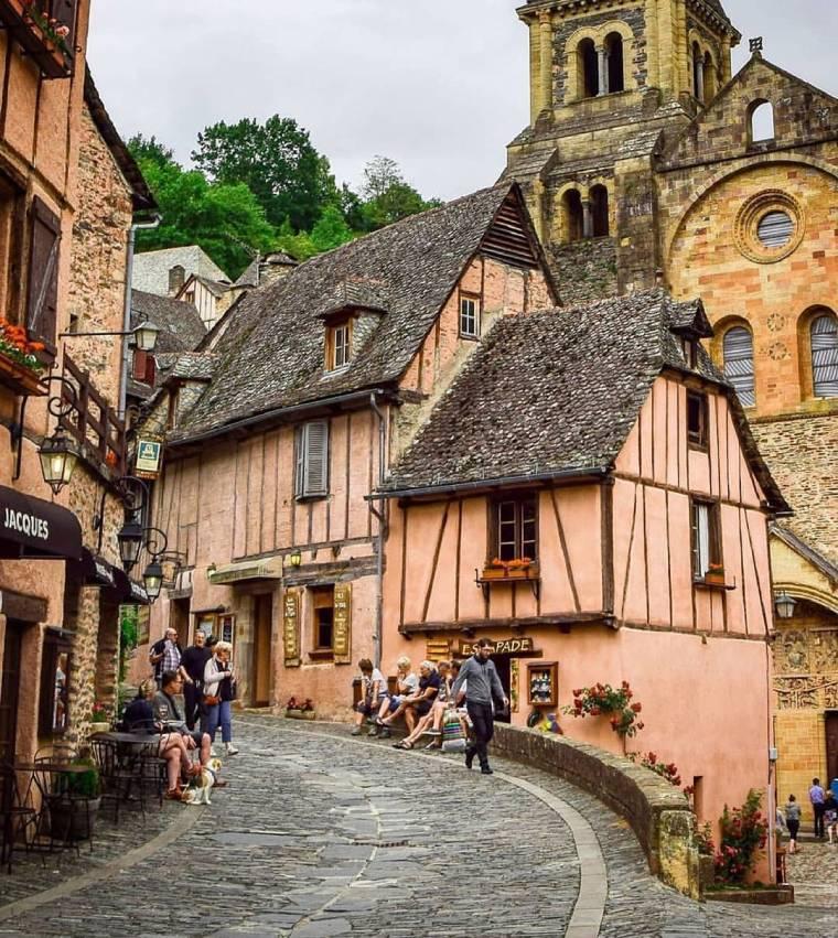 conques pueblo bonito francia