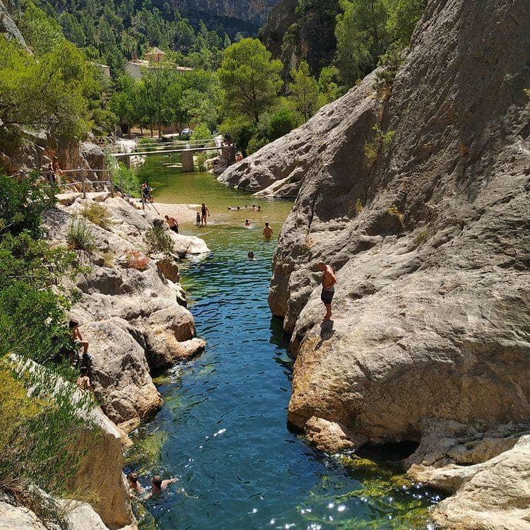 la fontcalda piscina natural