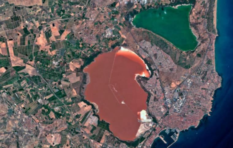 laguna rosa y laguna de mata torrevieja