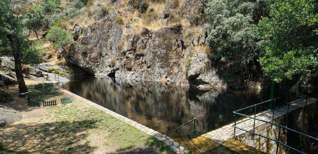 villanueva del conde piscina natural