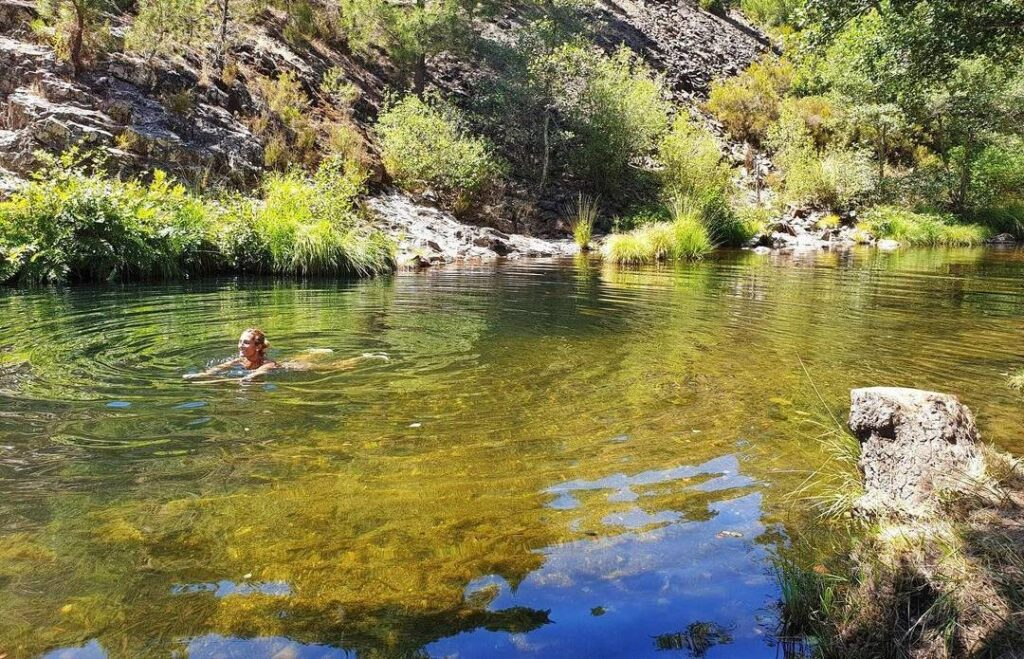 piscina natural la rebollosa