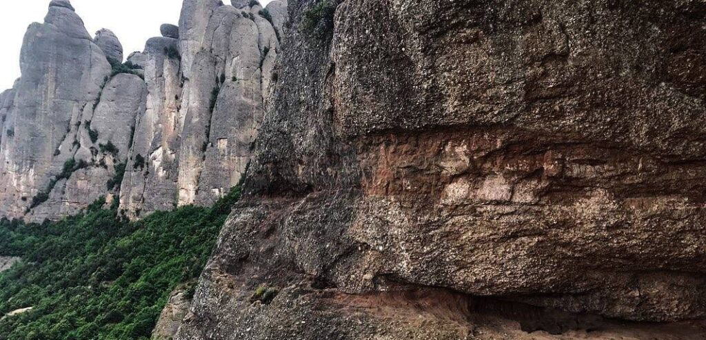 roca foradada piedra