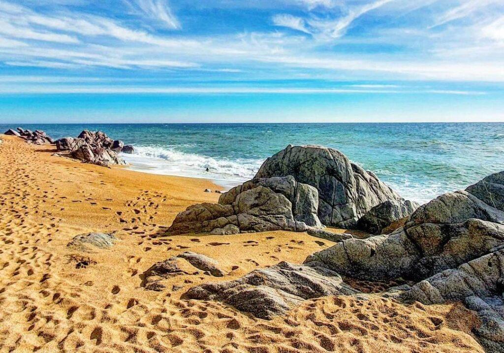 playas nudistas barcelona